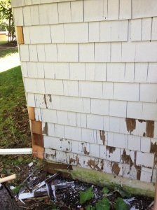 Replacing rotted siding pieces